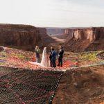 พาชมงานแต่งของคู่รักสุดผาดโผน จัดพิธีแต่งงานลอยฟ้า สูงเหนือพื้นกว่า 120 ม.